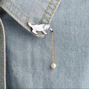 Jewelry - Cat chain pearly stick pin cute fun